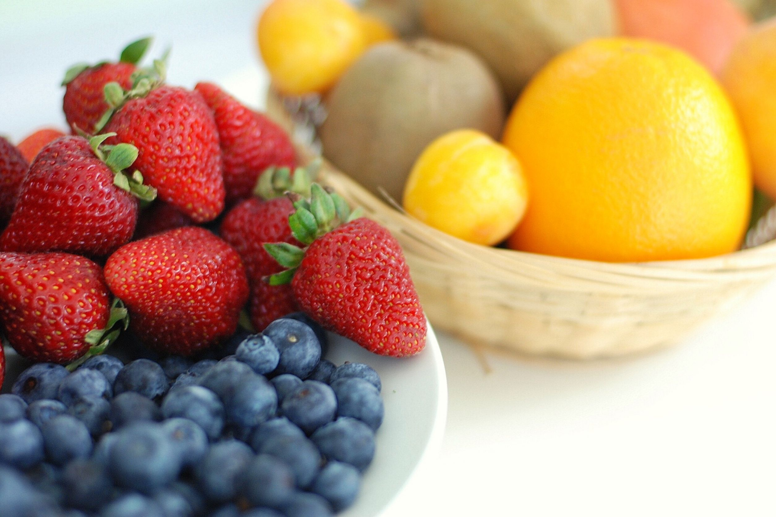 strawberries, berries, oranges, kiwis are good fruits for diabetics
